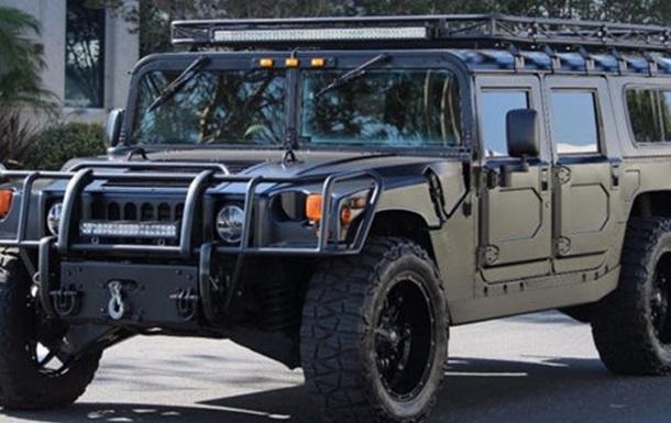 Партія американських Hummer прибула в Україну