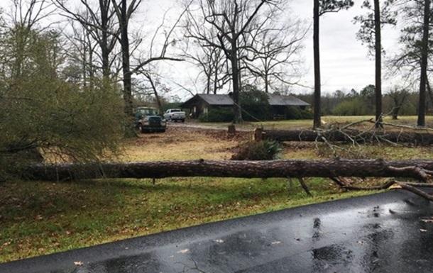 Двоє дітей загинули через ураган у Техасі