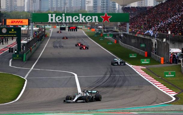 Хемілтон виграв Гран-прі Китаю, у Мерседес третій поспіль дубль