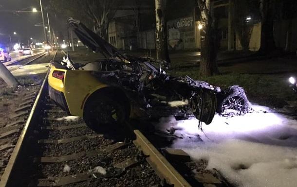 В Одессе в результате ДТП сгорел элитный спорткар