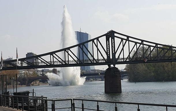 У Німеччині в річці підірвали 250-кілограмову бомбу
