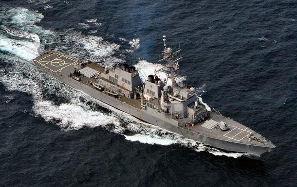 У Чорноморському флоті РФ заявили про стеження за есмінцем США
