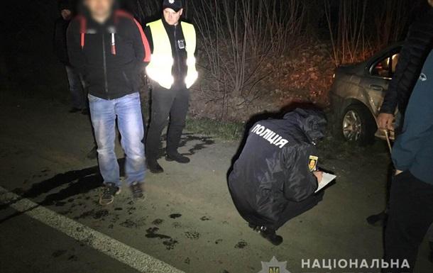 У Рівненській області п яний водій травмував двох поліцейських
