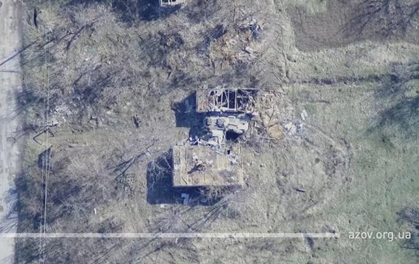 Азов показал, как уничтожает технику сепаратистов
