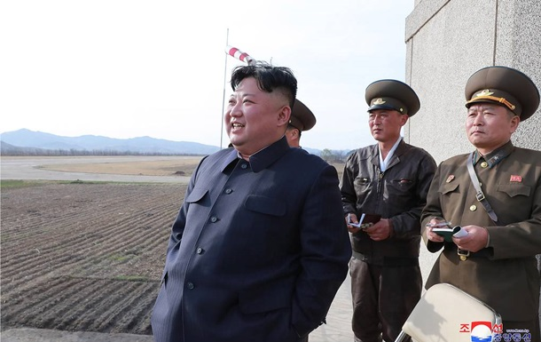 Ким Чен Ын провел внезапную проверку войск