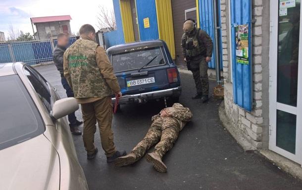 На Донбасі військових затримали на крадіжці 70 тонн пального