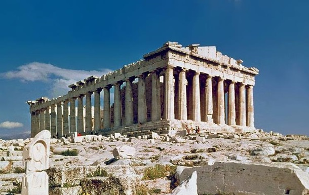Туристів у грецькому Акрополі вдарила блискавка