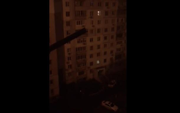 В Одессе ночью неизвестный громил машины кастрюлями