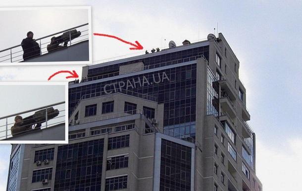 Олімпійський оточений поліцією, на даху розставили снайперів