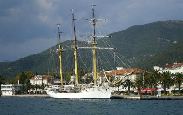 На військовому кораблі в Чорногорії знайшли десятки кілограмів наркотиків