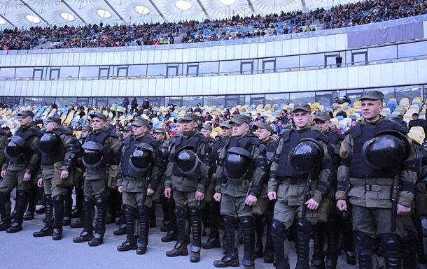 На дебаты Порошенко и Зеленского не попали зрители с ножами и пистолетами