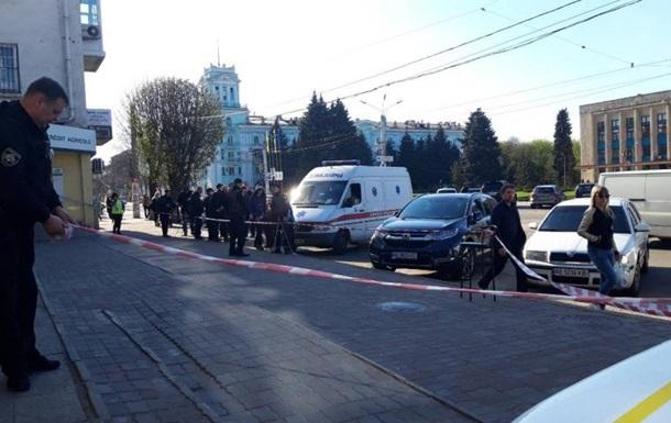 Стрілянина в Кам янському: поранений громадський активіст