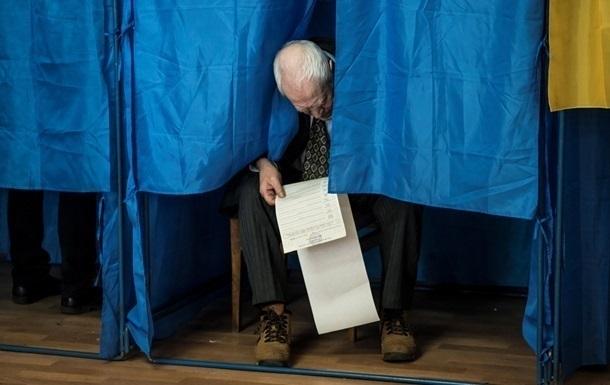 В Украине открылись избирательные участки