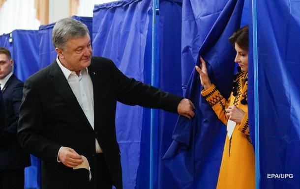 Порошенко проголосував на виборах