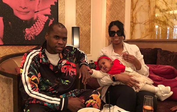 З явилося перше фото Стівенсона з сім єю після лікарні