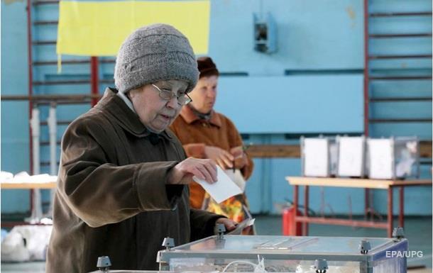 На 15:00 проголосували майже 50% українців