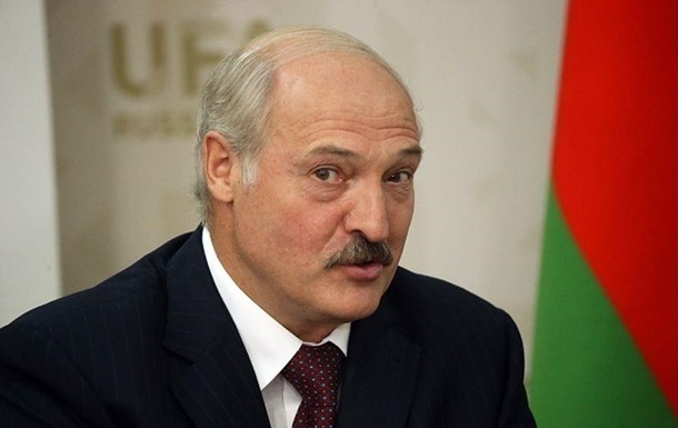 Лукашенко привітав Зеленського з перемогою на виборах