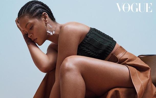 Похудевшая  Рианна снялась в откровенной фотосессии для Vogue