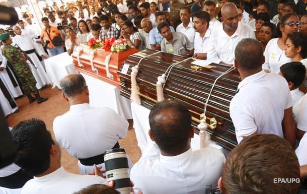 Кількість загиблих внаслідок вибухів на Шрі-Ланці досягла трьохсот осіб
