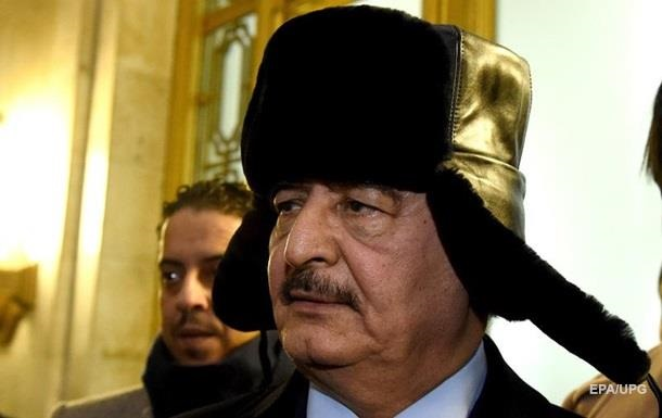 Біля військової бази Хафтара в Лівії збили літак - ЗМІ