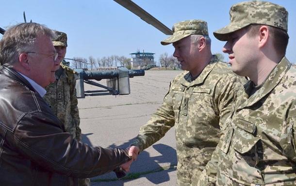 Міністр оборони Данії відвідав Донбас
