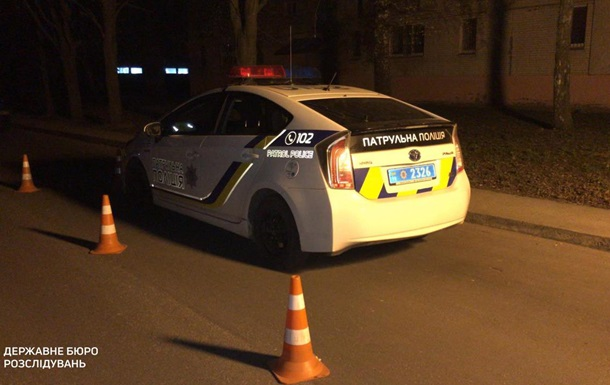 В авто патрульної поліції помер чоловік