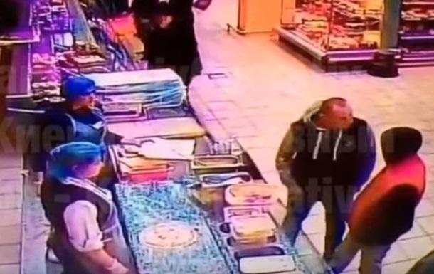 Вбивство у супермаркеті: в Києві затримали підозрюваного