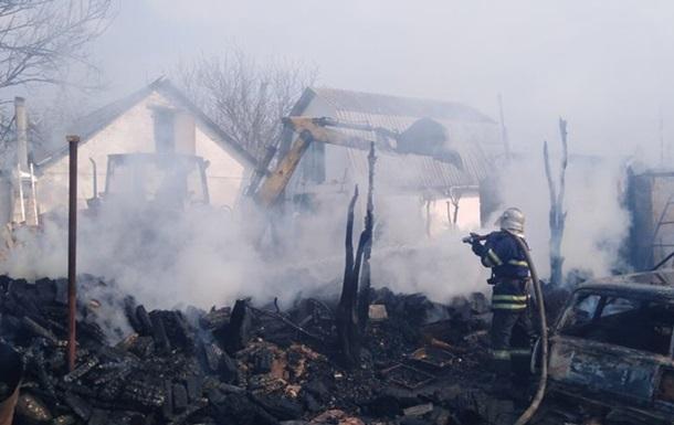 У пожежі під Києвом згоріли п ять будівель