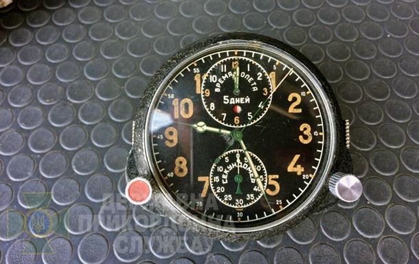 На границе с Польшей нашли радиоактивные авиационные часы