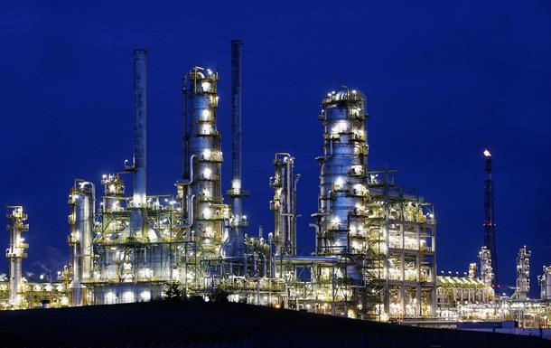 Втрачає Україна. Мінськ свариться з РФ через нафту