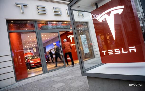 Tesla потеряла более $700 млн в первом квартале