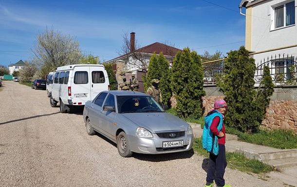 В Крыму прошли обыски в доме крымскотатарского активиста