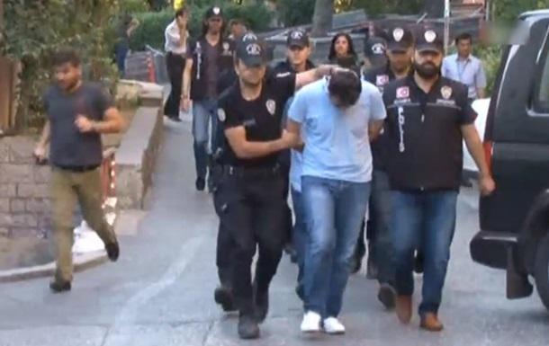 У Туреччині затримали понад 200 військових