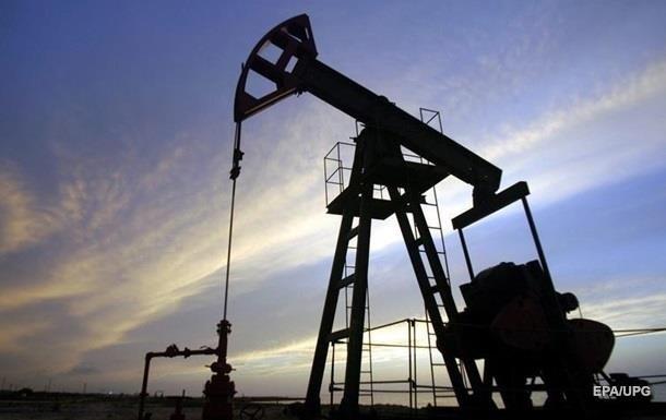 Нафта подешевшала на два долари за півдня