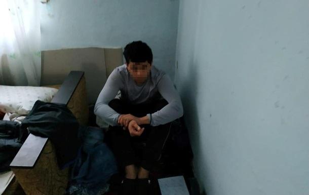 У Києві викрали чоловіка і рік катували через квартиру