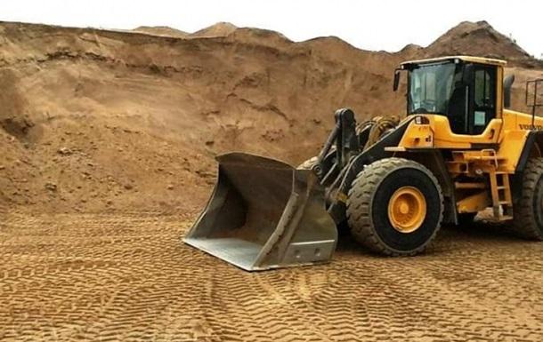 У Рівненській області через зсув піску загинула дитина