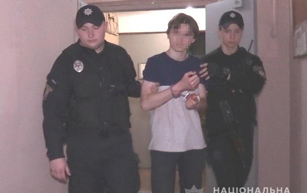 Різанина в Києві: підліток напав на маму і бабусю
