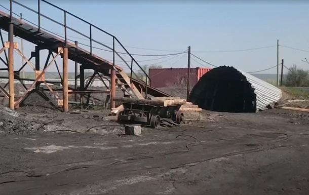 Вибух на шахті в  ЛНР : рятувальників чекали добу