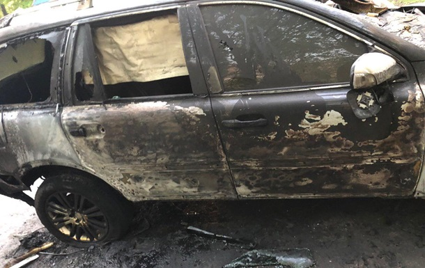 У Дніпрі спалили авто головного редактора газети