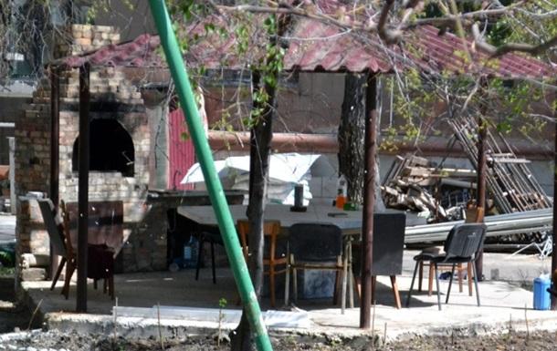 У дворі Будинку профспілок в Одесі, де загинули 48 людей, поставили мангал