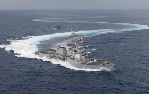 Есмінці США пройшли через Тайванську протоку