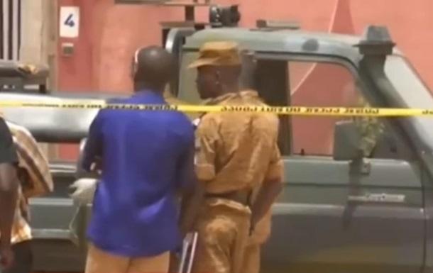 У Буркіна-Фасо бойовики вбили шість людей у церкві