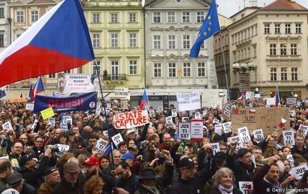 Тисячі чехів протестували проти уряду Андрея Бабіша