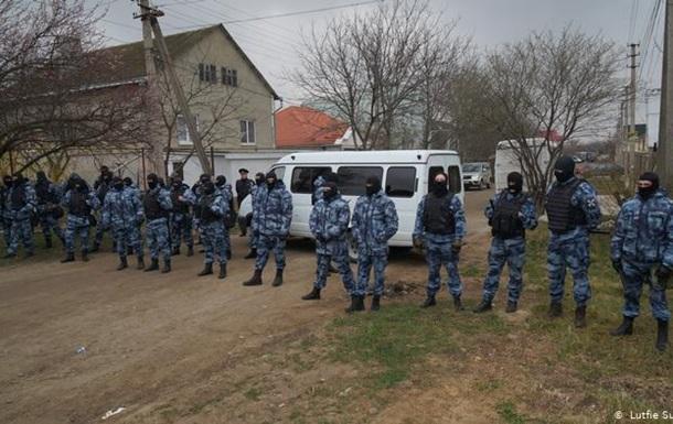 Російські силовики знову провели в Криму обшуки у кримських татар