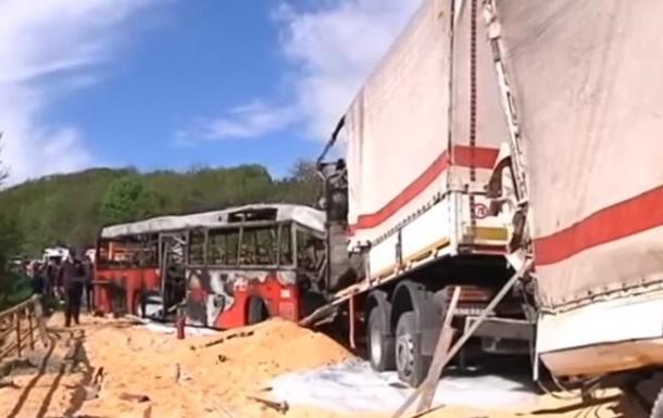 У Сербії в ДТП з автобусом загинули чотири людини
