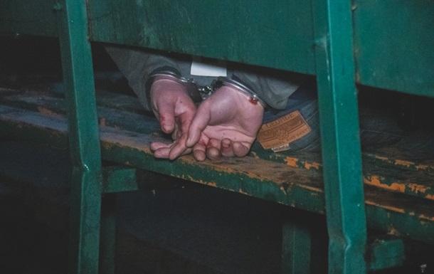 В Киеве мужчина набросился с ножом на полицейского