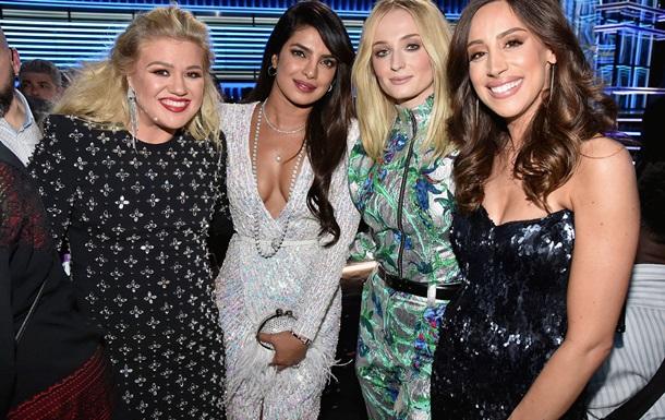 Самые яркие образы звезд на Billboard Music Awards