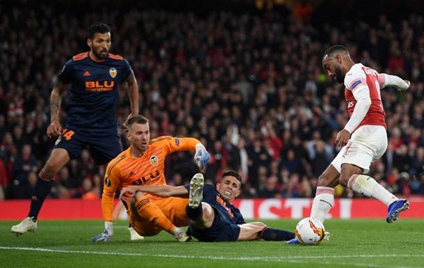 Арсенал здобув комфортну перемогу над Валенсією