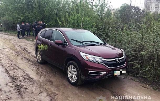 Поліція Києва зі стріляниною затримала автовикрадача