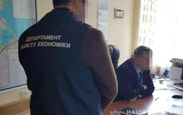 Київський чиновник зробив ремонт у квартирі за бюджетні кошти
